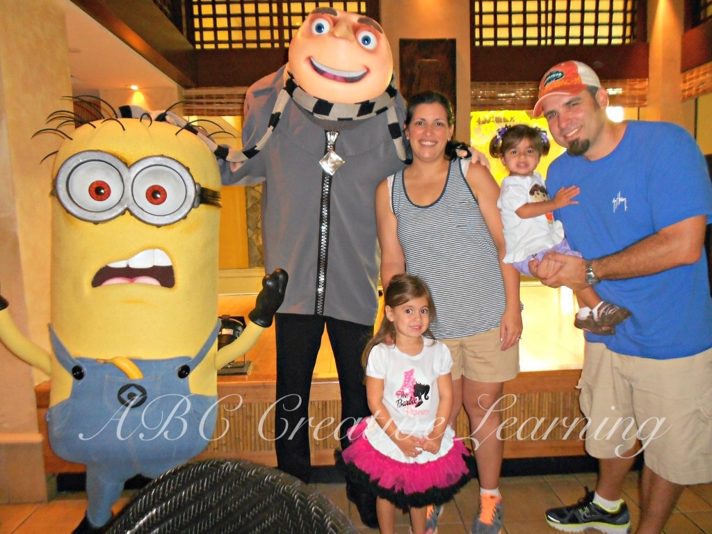 Character Breakfast at Universal Orlando with Minions - simplytodaylife.com