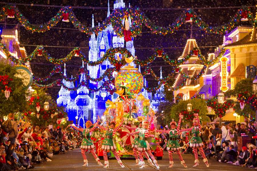 Mickeys Christmas Party Parade