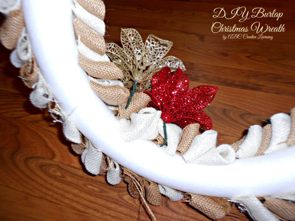 DIY Burlap Christmas Wreath Decorations