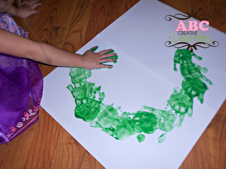 Handprint Wreath Arts and crafts