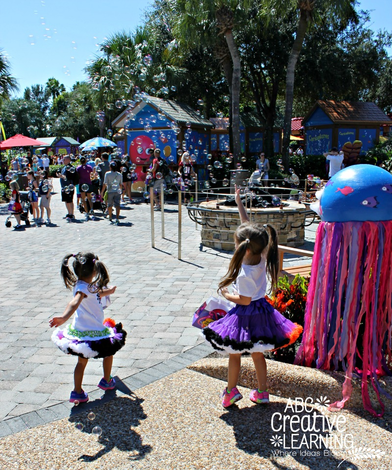 Bubble Party at Sea World's halloween Spooktacular