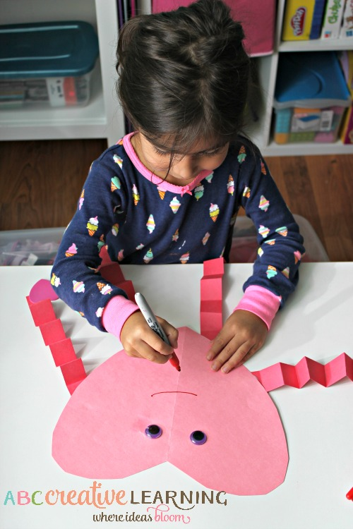 Easy and Cute Valentine's Day Heart Craft For Kids - simplytodaylife.com