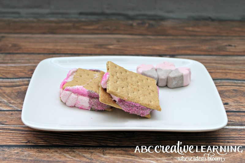 Valentine's Day Strawberry Marshmallow S'mores Recipe