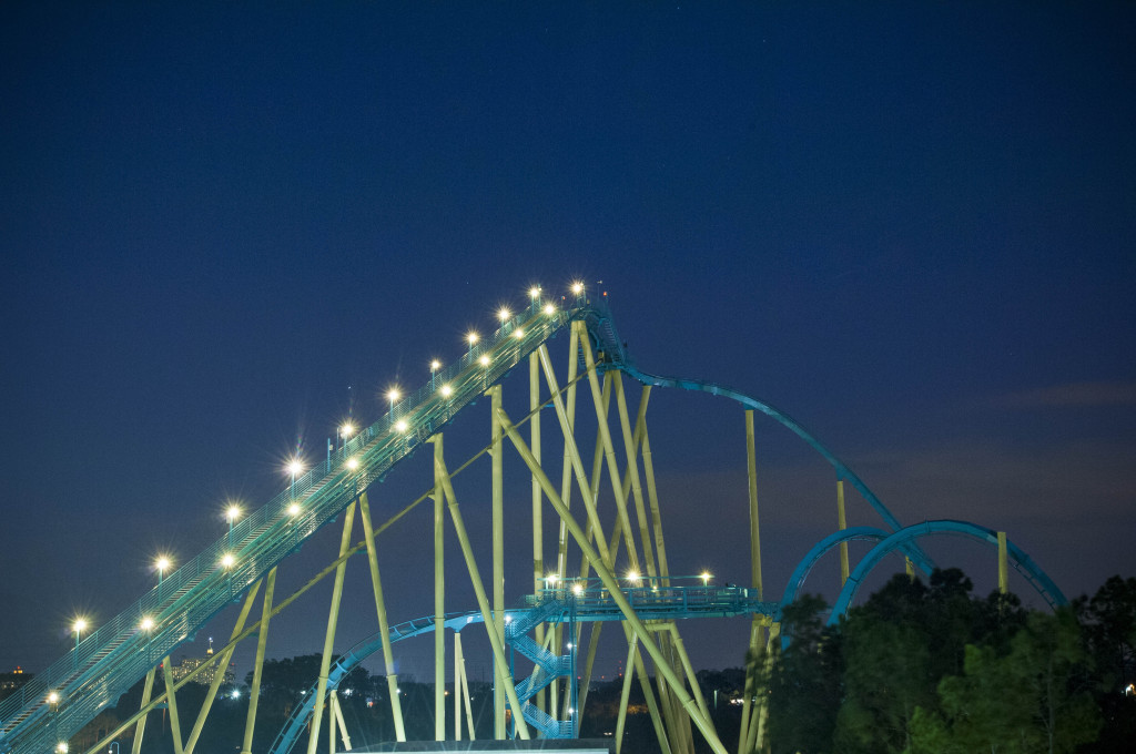 New Night Time Activities At SeaWorld Orlando and Aquatica, SeaWorld's Waterpark Kraken at Night