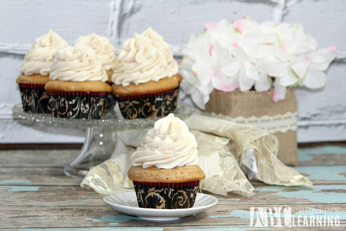 Cinnamon Roll Cupcake Recipe WMR