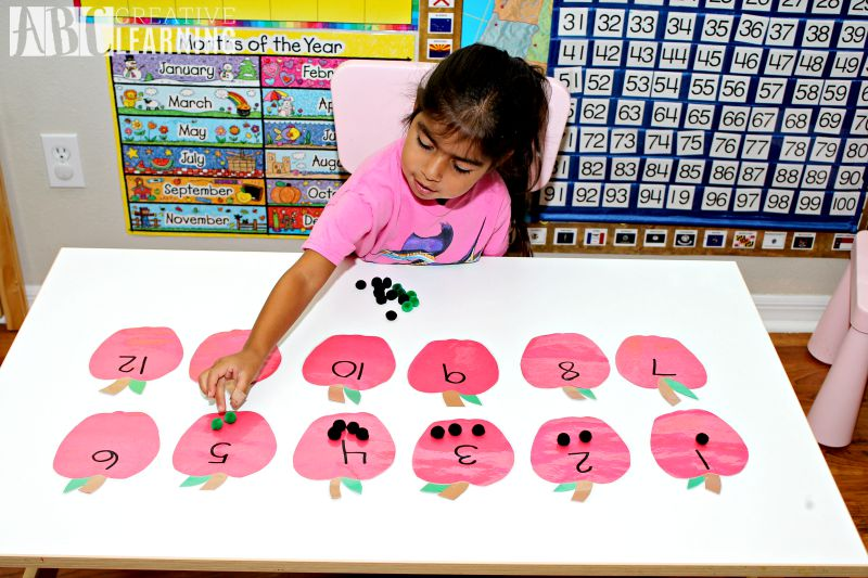 Back to School Counting Apples Game