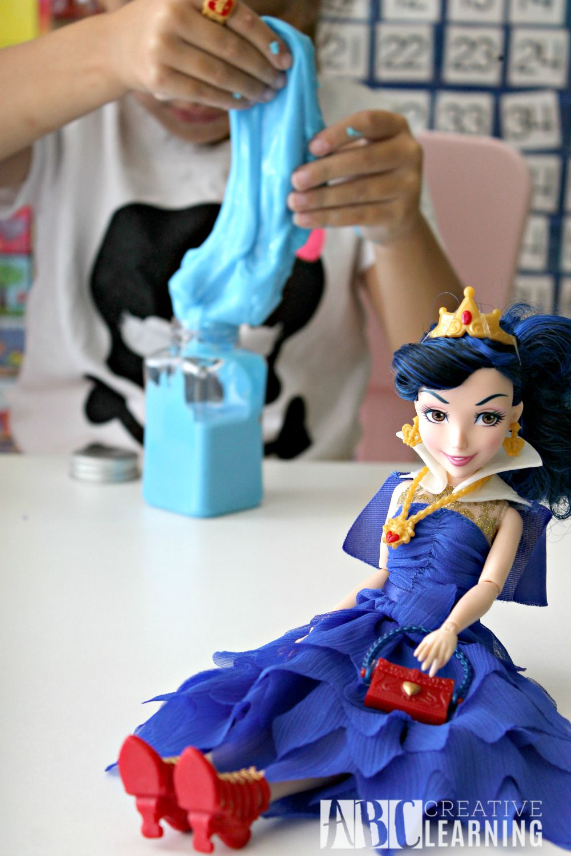 Potion Making with Disney Descendants Evie