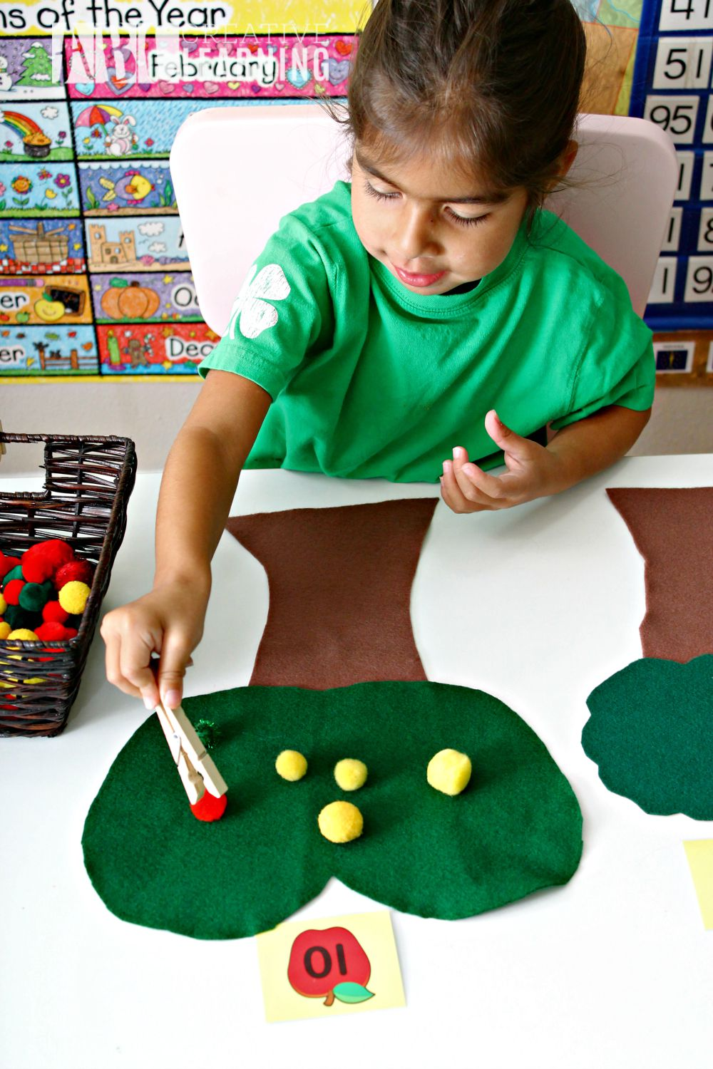 DIY Felt Apple Counting and Fine Motor Skills Activity math for preschoolers