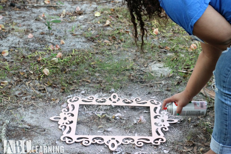 Easy DIY Wall Frames and Changeable Pictures frames
