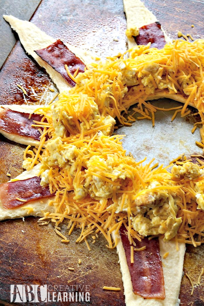Bacon, Egg, and Cheese Crescent Ring Recipe Egg