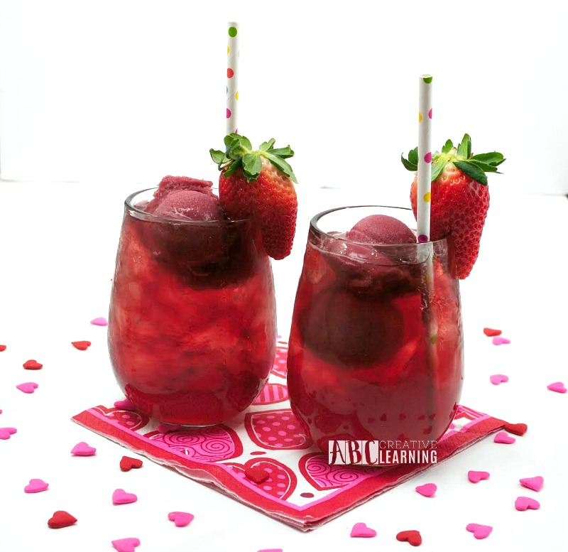 Delicious Valentine's Day Berry Punch - simplytodaylife.com