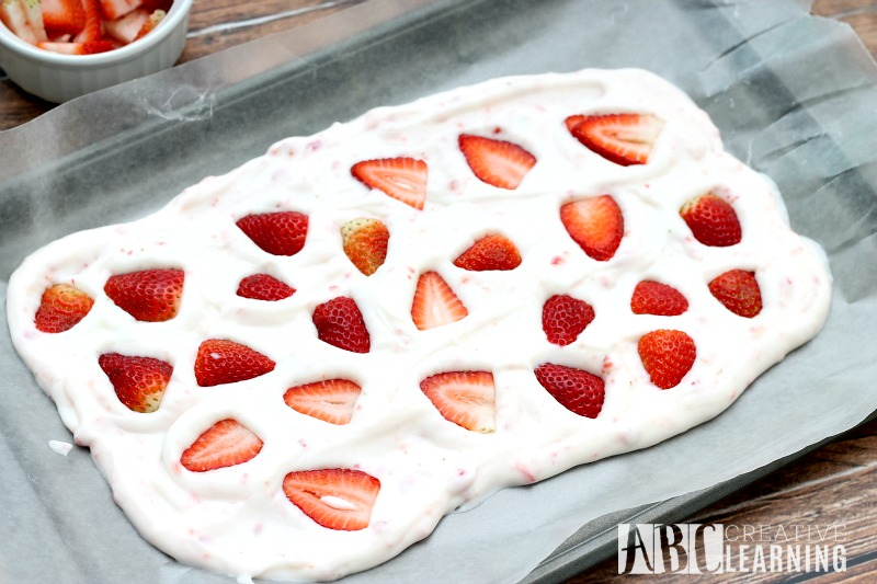 Valentine's Day Yogurt Strawberry Bark Recipe