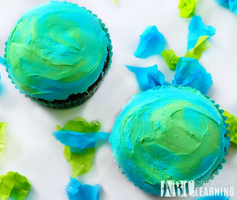 Earth Day Cupcakes With A Surprise Earth's Core