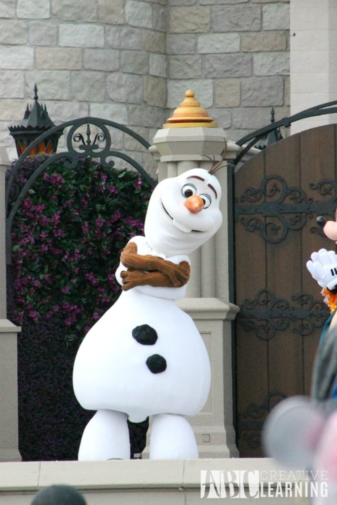 Top 4 New Attractions To Visit At Walt Disney World #AwakenSummer olaf