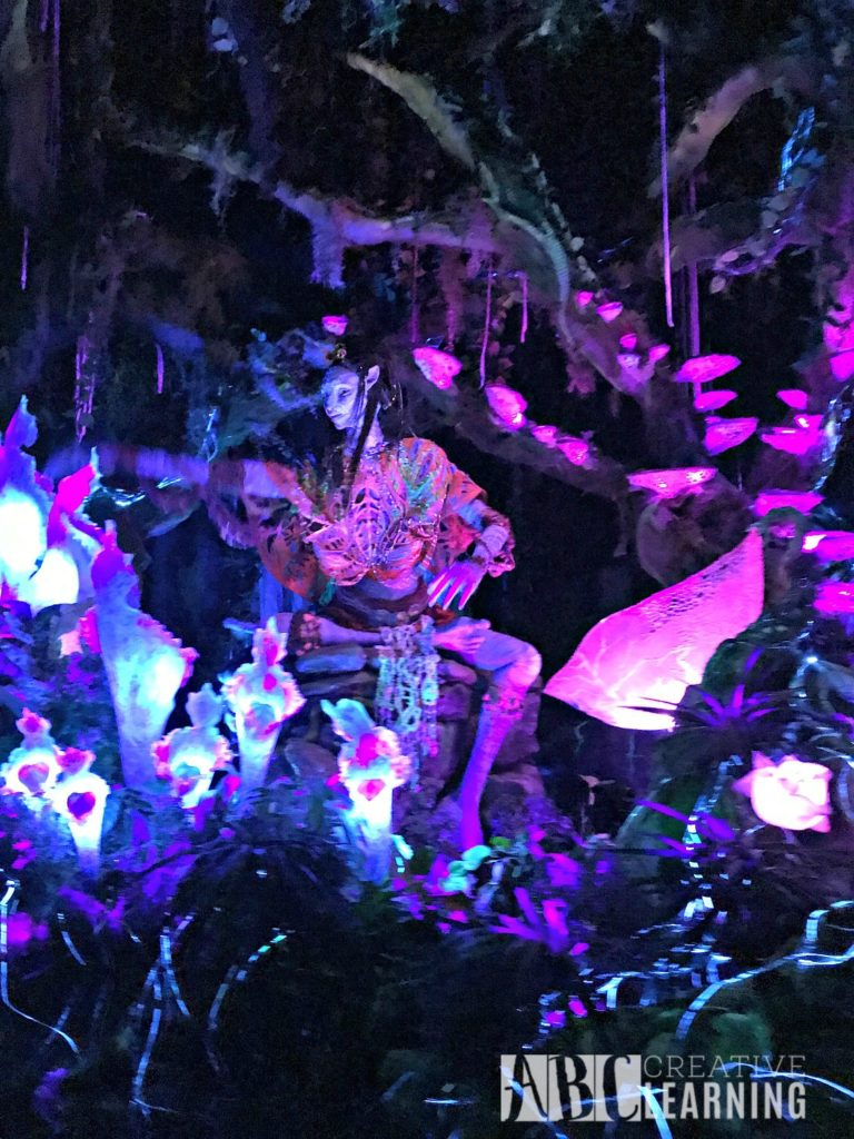 Pandora - World of Avatar at Disney's Animal Kingdom | 5 Things To Experience #VisitPandora Na'vi River Avatar