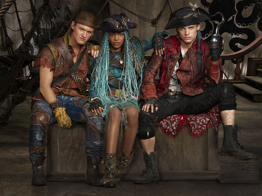 6 Reasons To Watch Descendants 2 On Disney Channel + Exclusive Cast Interviews Uma, Gil, Harry