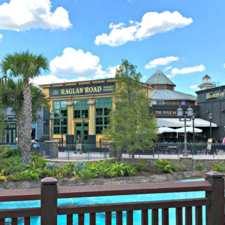 5 Reasons To Eat At Raglan Road At Disney Springs With The Family