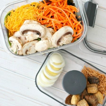 On The Go Easy Healthy Lunch Hack with Rubbermaid Salad and Snack SQ