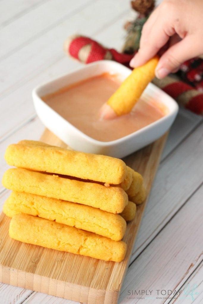 Puerto Rican Sorullitos de Maíz Con Queso Recipe and Dipping Sauce