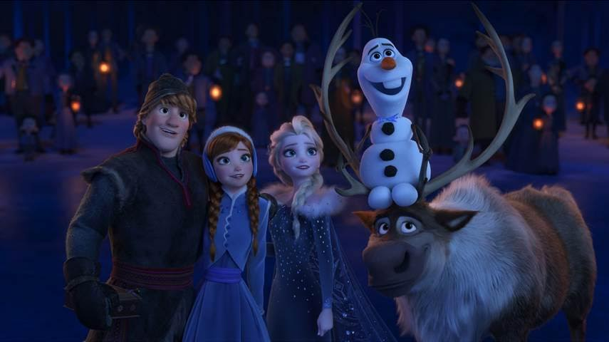 Family Friendly COCO Movie Review | A Culturally Filled Vibrant Adventure #PixarCOCO Olaf Adventure