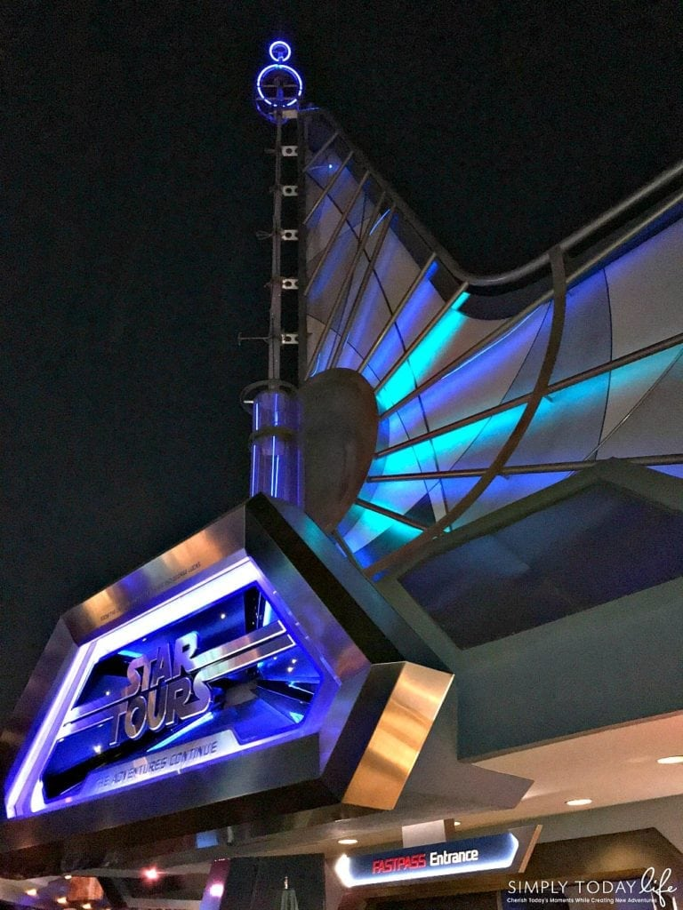 Experiencing Holiday Time at Disneyland and The Last Jedi on Star Tours Scenes