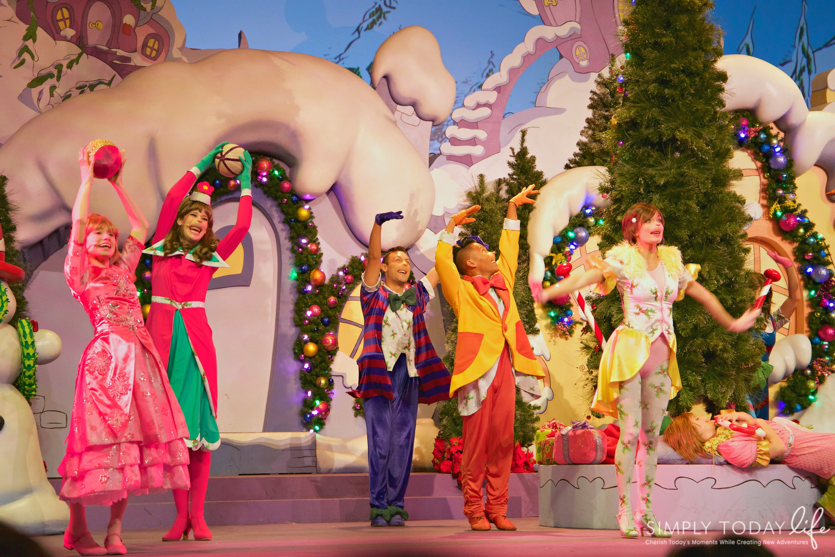 Family Guide To Celebrating the Holidays at Universal Orlando Resort - Grinchmas Show at Universal Orlando