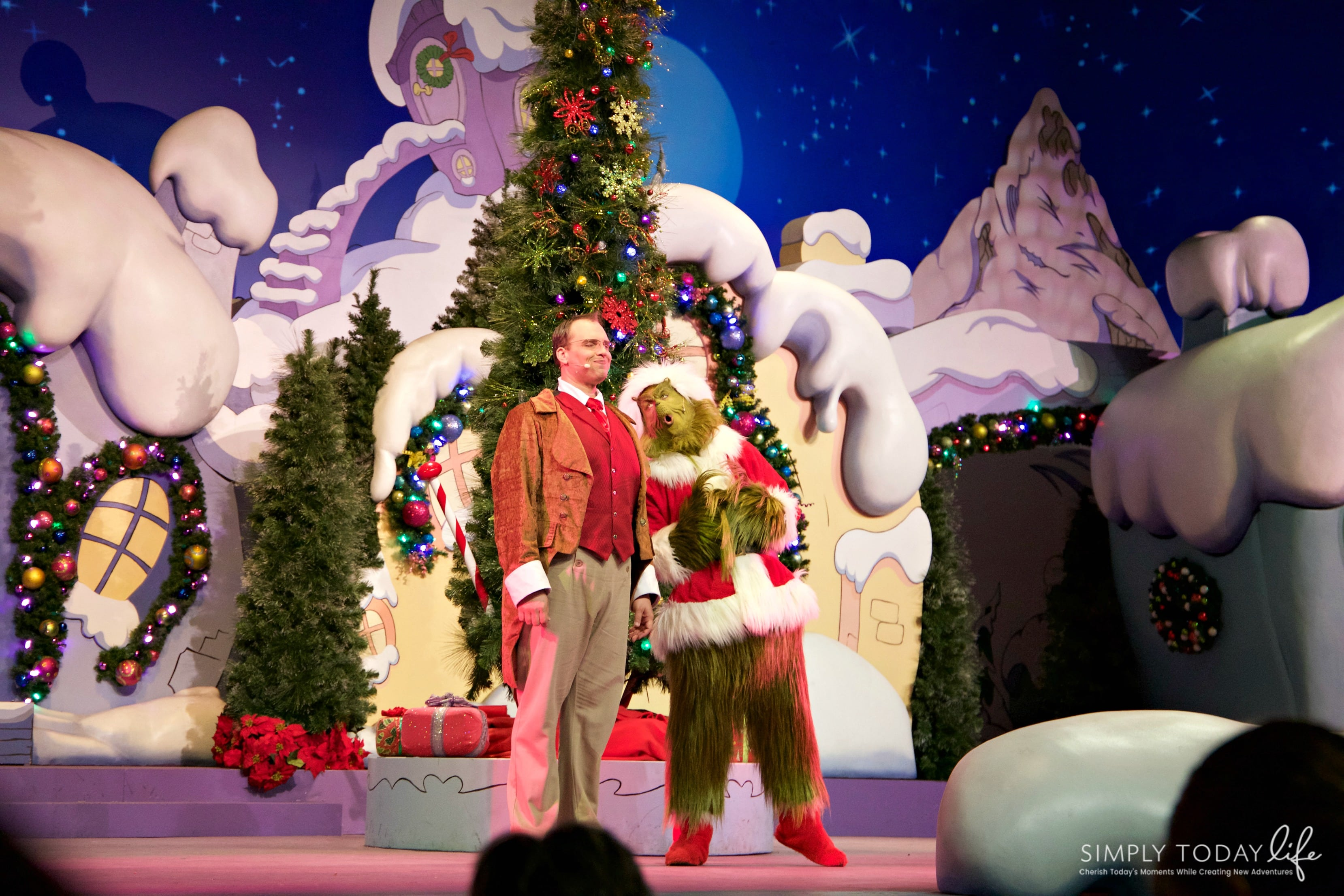 Family Guide To Celebrating the Holidays at Universal Orlando Resort - The Grinch Show