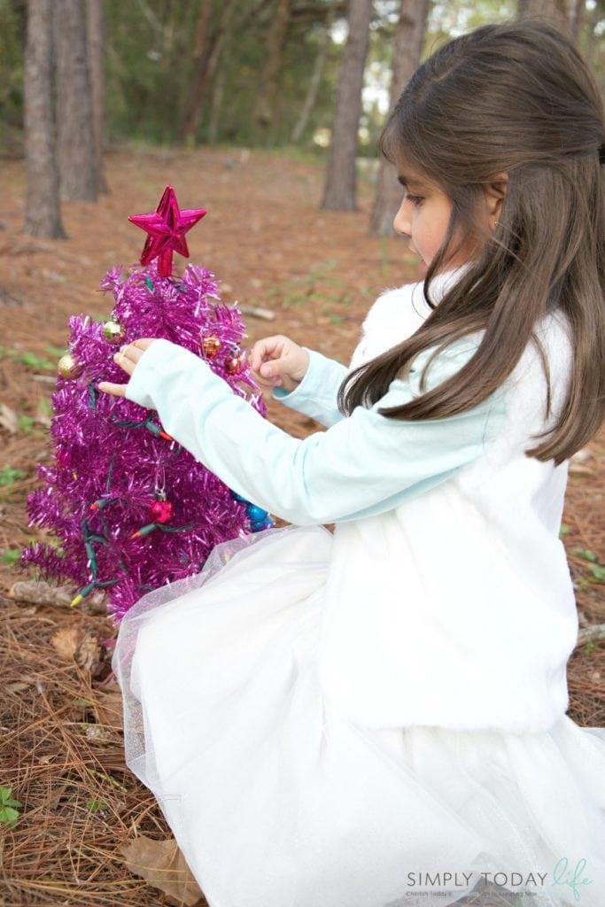 Meaningful Family Holiday Traditions + $50 OshKosh B'gosh Giveaway - Decorating Christmas Tree Tradition