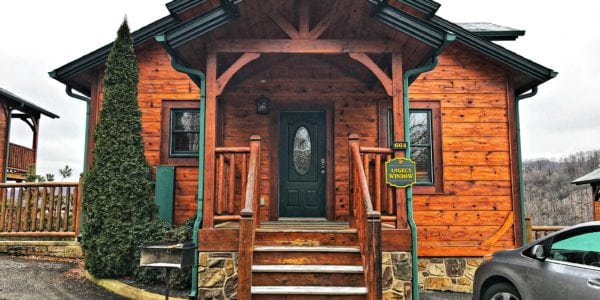 Best Cabins In Gatlinburg TN For Families with Breathtaking Views - simplytodaylife.com