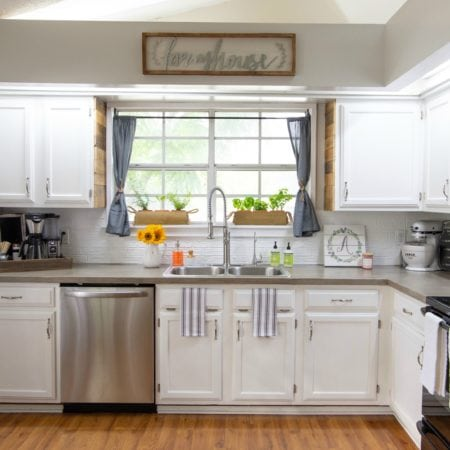 Painting Kitchen Cabinets With Chalk Paint From Dixie Belle | From 80's Drab To Farmhouse Fab - simplytodaylife.com