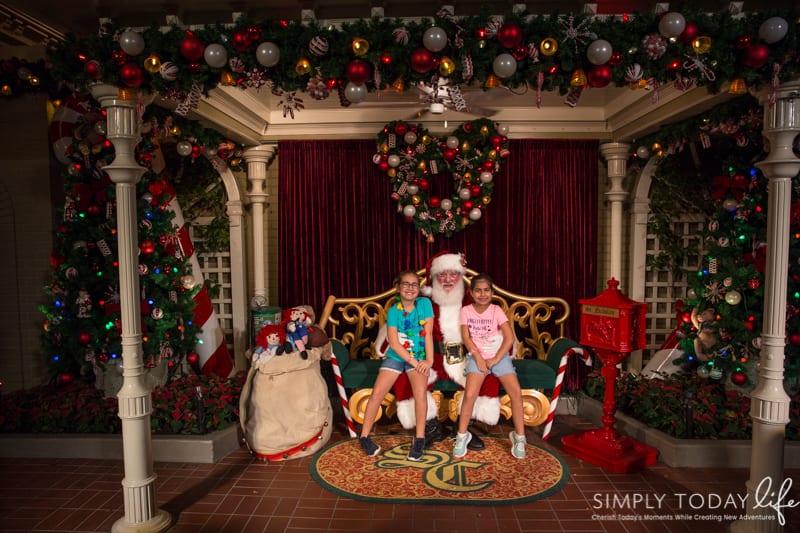 Santa at Mickey's Very Merry Christmas