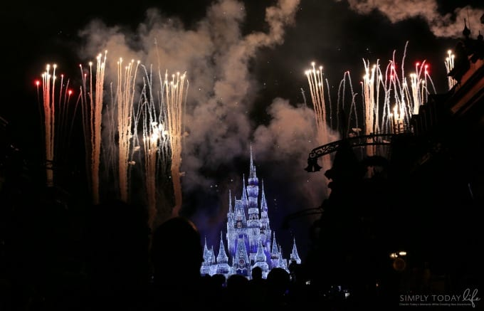 magic kingdom castle fireworks