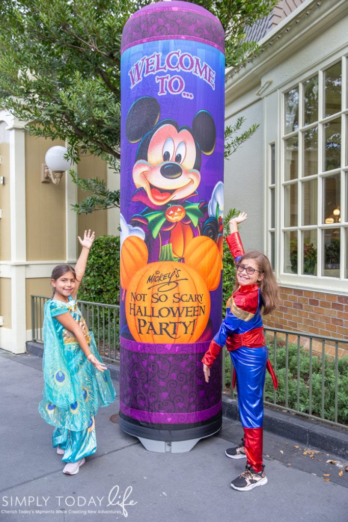 Mickey's Not So Scary Halloween Party Trick or Treating Tips